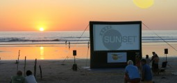 sunset-cine-playa-guiones-jan14-15
